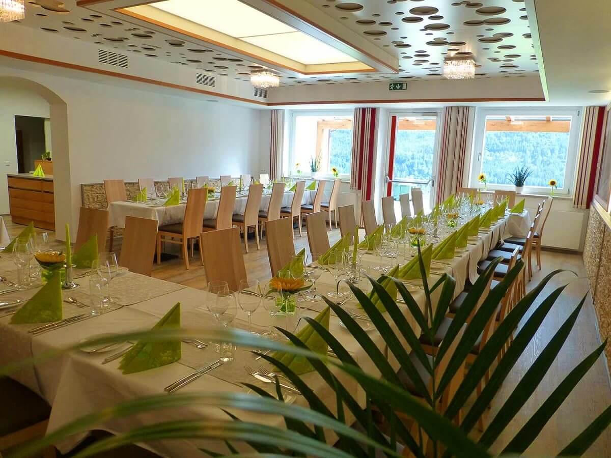 restaurantraum-1200x900.jpg